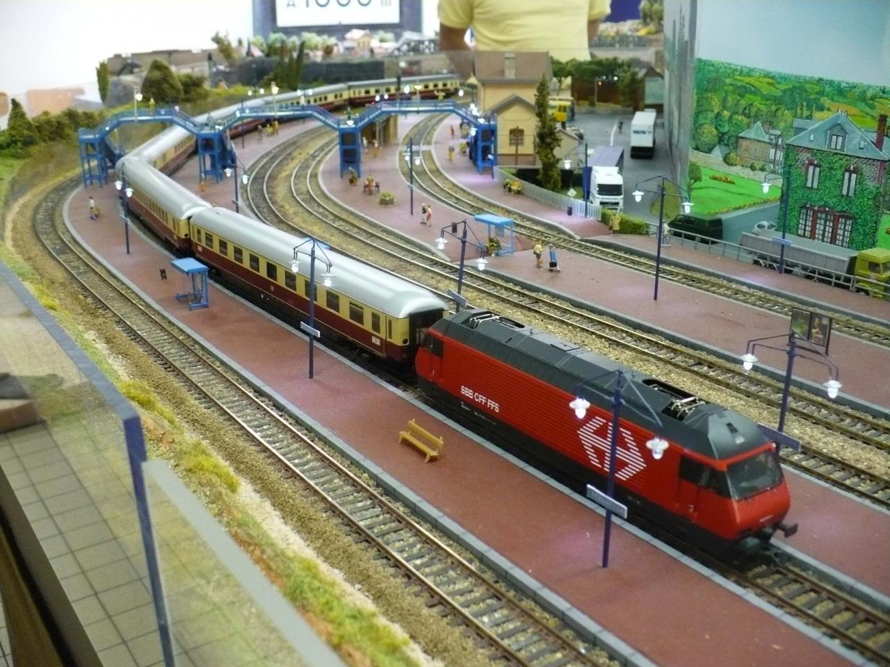 Rame voyageurs allemande et loco suisse
