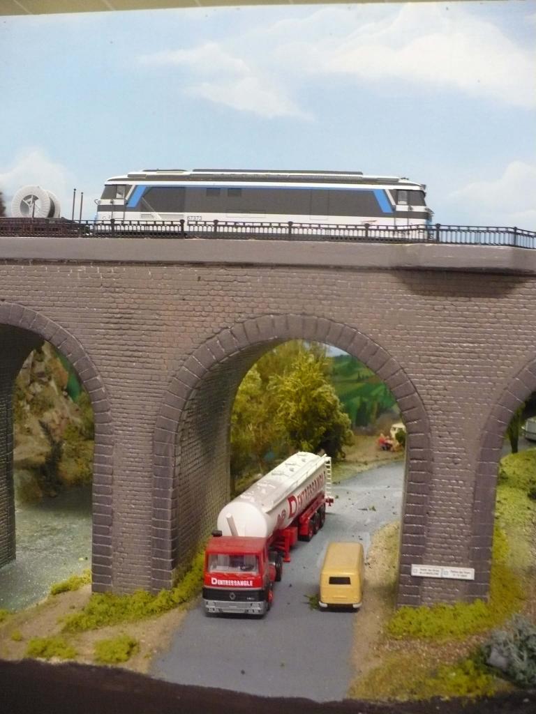 BB 67373 sur le viaduc